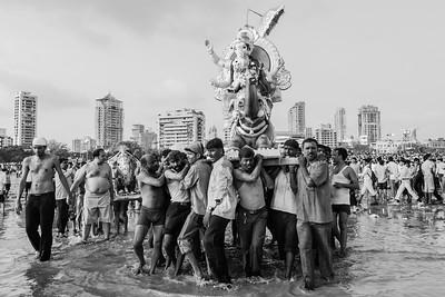 Mumbai: Ganesh Visarjan