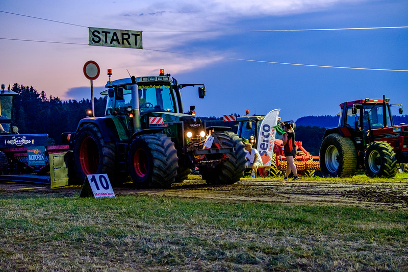 Tractor Pulling 2015-2072.jpg