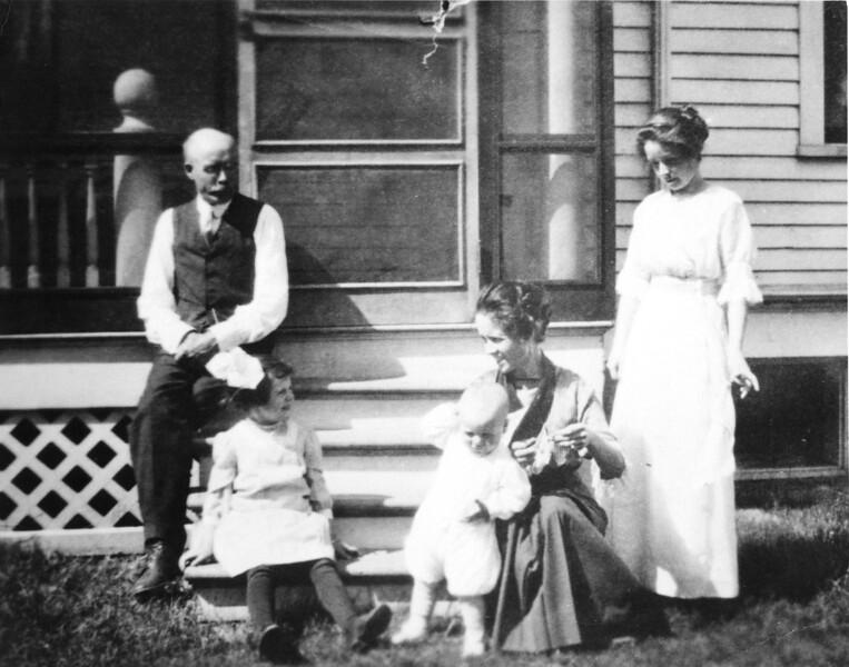 Jacob Knoff - Harriett Catlin - Selden Catlin - Nathea Catlin - Emma Knoff - 1913.jpg