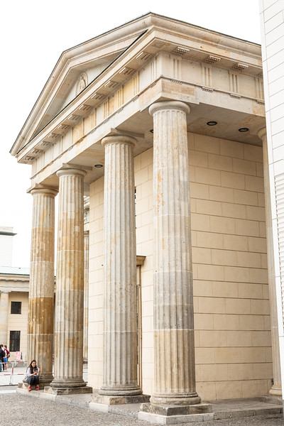 Brandenburg Gate-9580.jpg