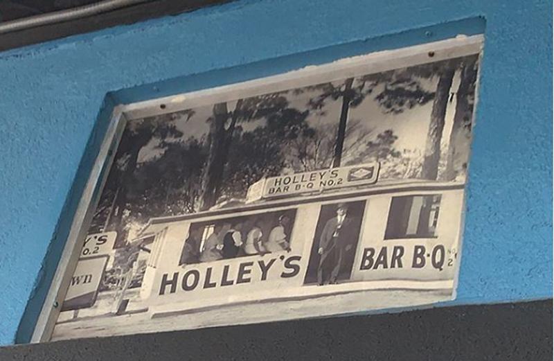 HolleyBBQ-2.jpg