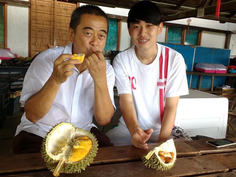 Zhi Vooi and Mr. Chang.jpg