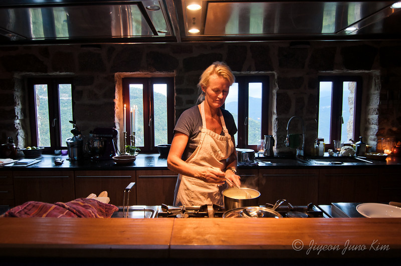 Helle cooking at Can Rigall