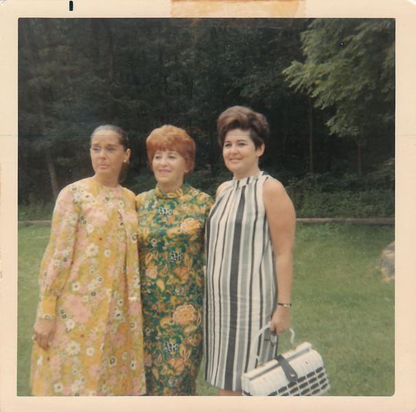 Omi, Kitty & Nita 1968.jpg