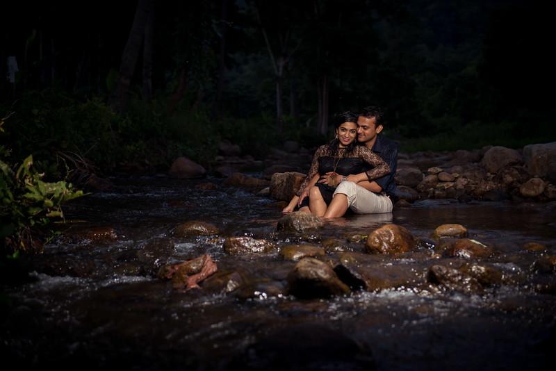 LightStory-Poorna+Vibushan-CoupleShoot-230.jpg