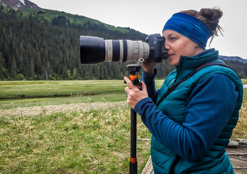 Using a monopod and zoom lens