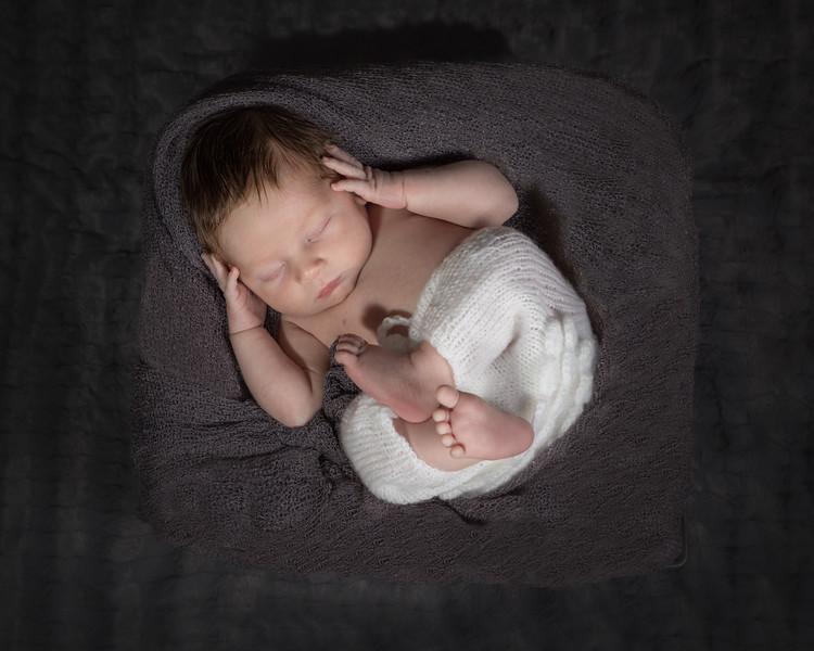 Benson newborn session-6.jpg