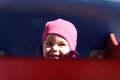Anabelle bientôt 2 ans
