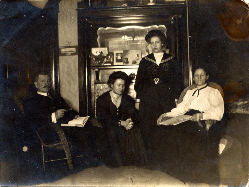 original family, circa 1910?