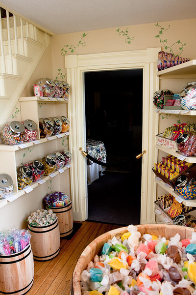 The entry way to the Waitsfield Inn is a nostalgic candy store.