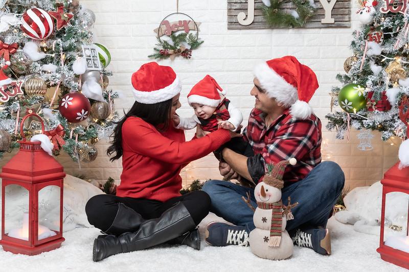 12.24.19 - Adriana's Christmas Photo Session 2019 - -54.jpg