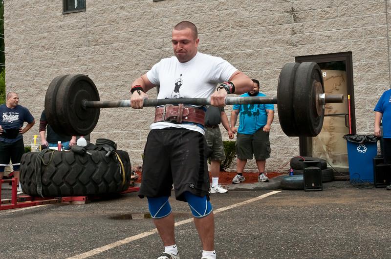 Fitness Revolution Strongman Challenge 2011_ERF3761.jpg