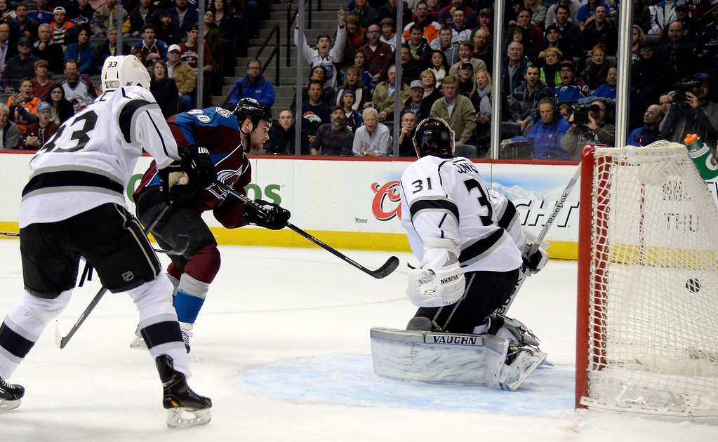. Colorado Avalanche center Ryan O\'Reilly (90) scores on a shot past Los Angeles Kings goalie Martin Jones (31) during the first period February 27, 2014 at Pepsi Center. Theat goal tied the game at 1-1. (Photo by John Leyba/The Denver Post)