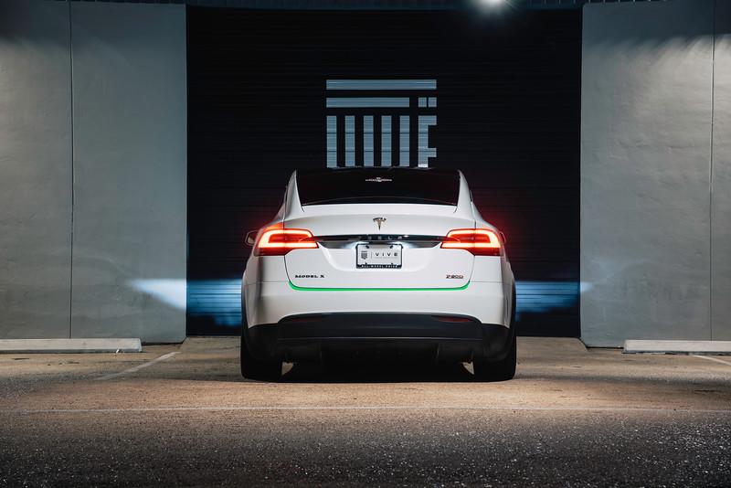 Tesla_Model_X_Vive_Detail_Luggage_Strip.jpg