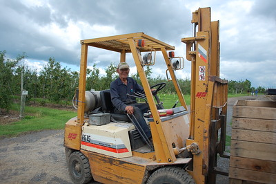 Four Daughters Wine and Cidery - Windsor Riding the tractor