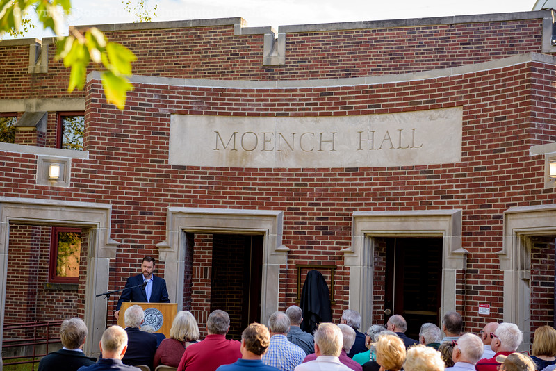 RHIT_Homecoming_2017_Moench_Bust_Dedication-21866.jpg