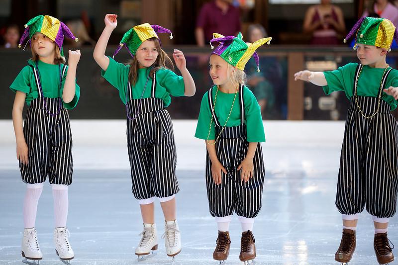 Skating  10041.jpg