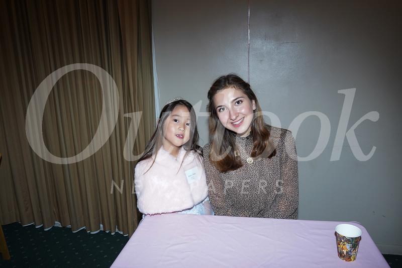 09374 Doris Zhang and Princess Cole Fox.jpg