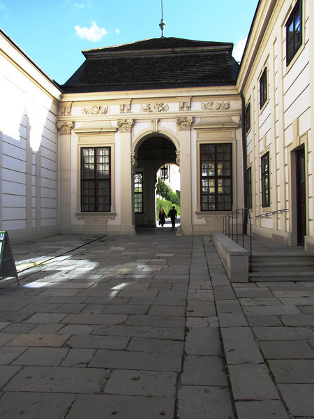 09-Lower gate to Belvedere Gardens from Renweg