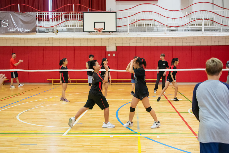PE Leadership-Gr12 and Gr6 Volleyball Workshops-YIS_2620-2018-19.jpg