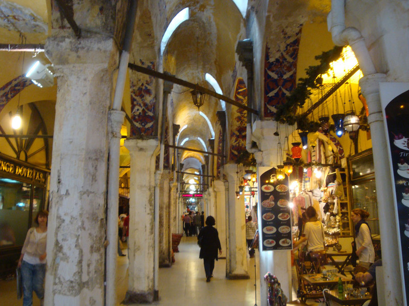 Fascinating though the conference was (!) I nevertheless couldn't bring myself to sit through all of it, and stole away on Day 2 to revisit the Grand Bazaar, which was now open. It was a seemingly endless indoor market, which I thought was over-rated.