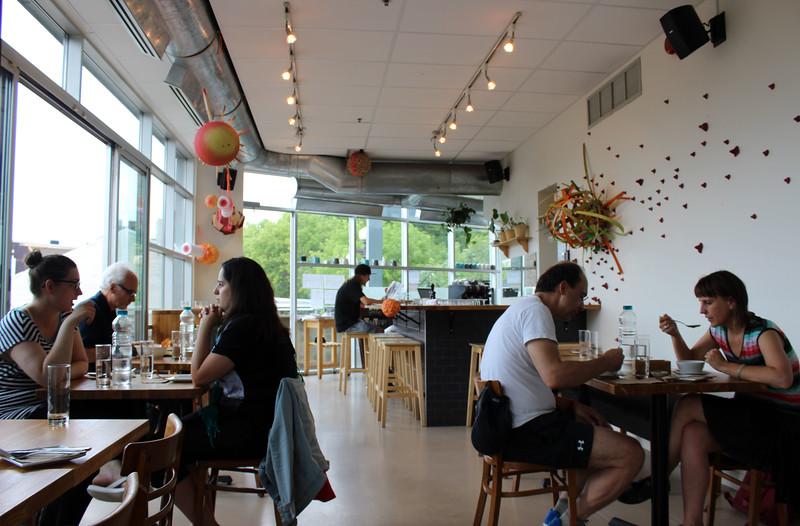QuebecCity-Restaurant-LeTierTemps06.JPG