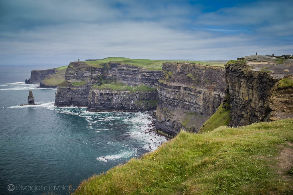 Best Day trips from Dublin - Cliffs of Moher - Lina Stock