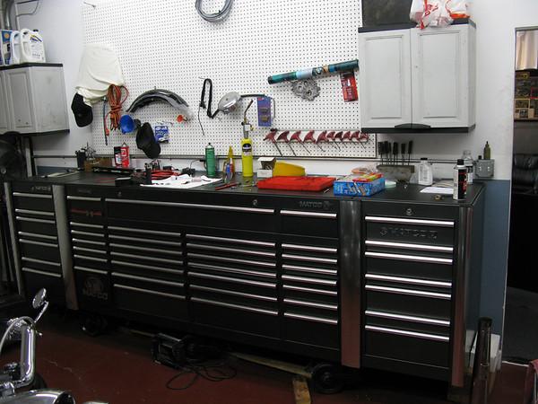 2009-10-28 Around The Shop