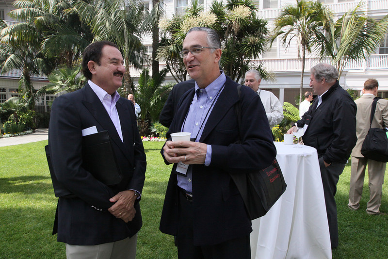 Sol Trujillo (L), past CEO, Telstra; and Ricardo Salinas, CEO, Grupo Salinas (In background: Roger Buckeridge, Director and Co-Founder, Allen & Buckeridge