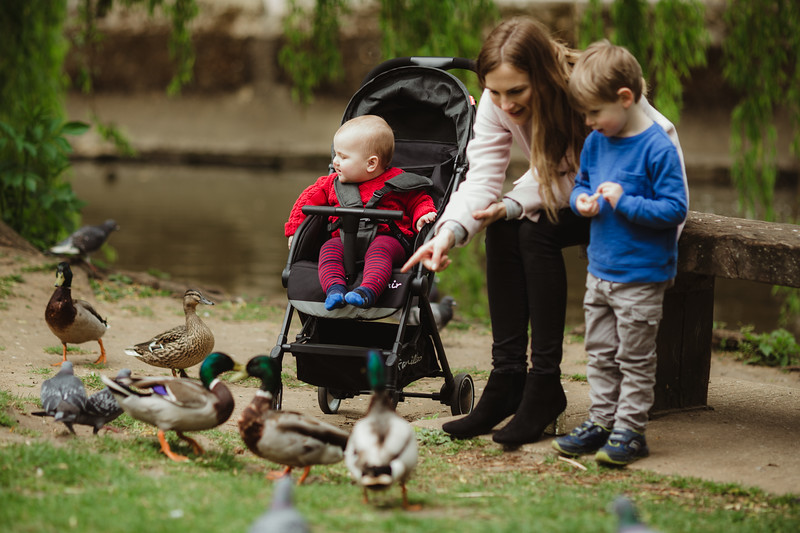 Familidoo_Air_Lifestyle_Grey_Denim_Feeding_Ducks.jpg