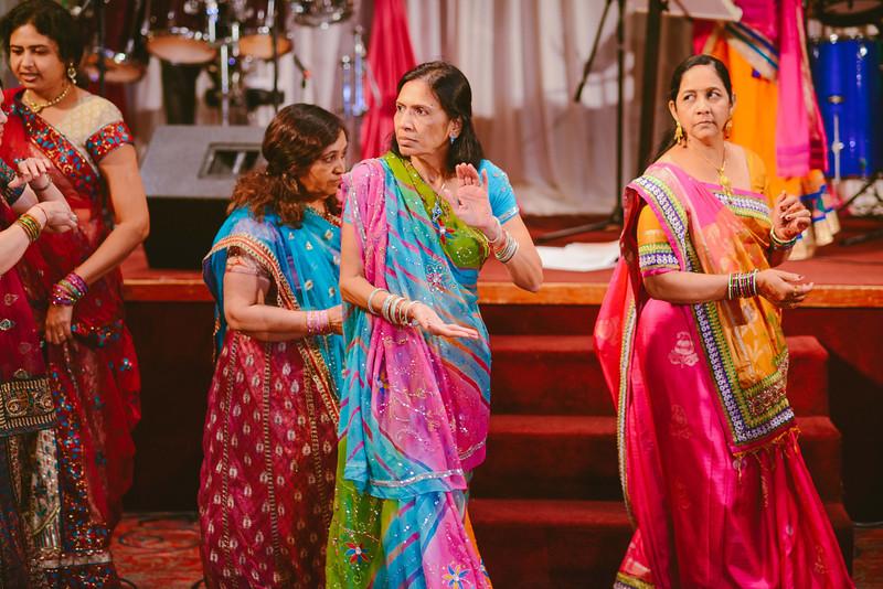 Charmi & Abhi Garba (202 of 578).jpg
