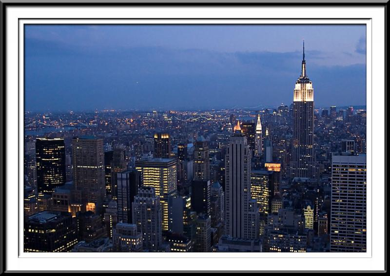 Night over manhatten (59985401).jpg