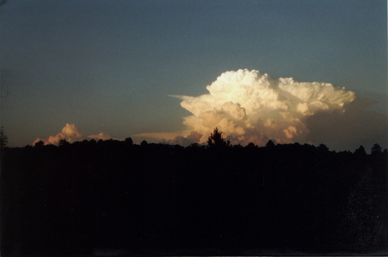 199906-ThunderstormToTheWest1.jpg