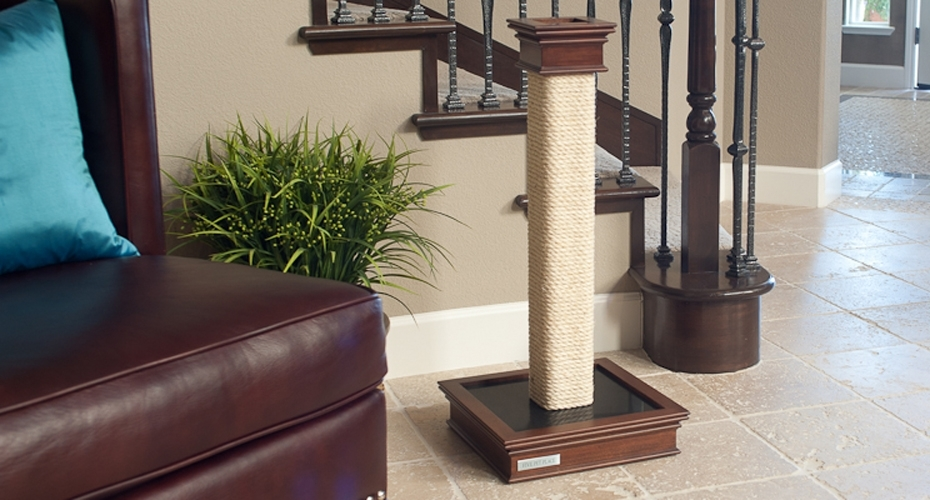 . Five Pet Place scratching post