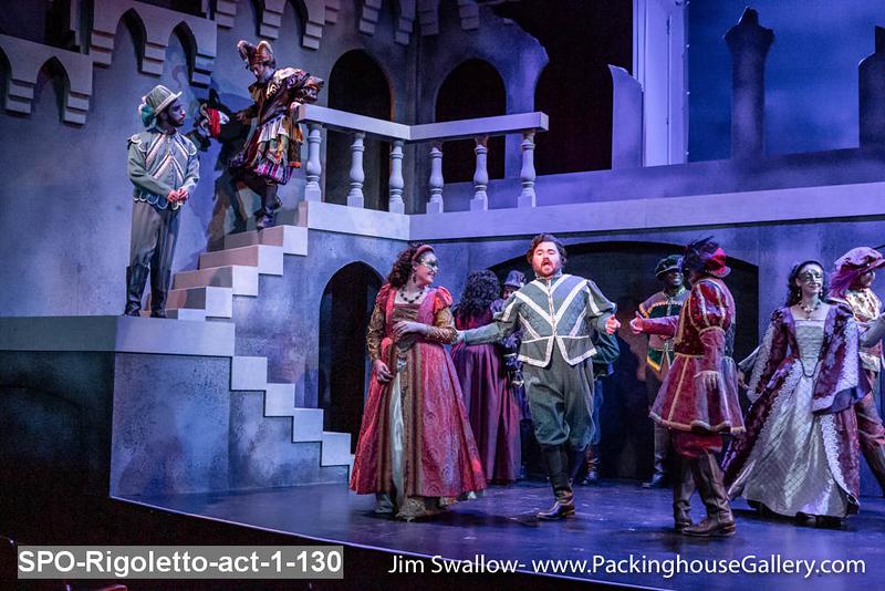 SPO-Rigoletto-act-1-130.jpg