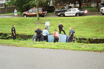 Mva/Rollover Newton Ma. Crafts Street At Albemarle Road 08/29/06