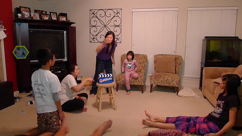20111228_kids-sleepover-vids_005.MTS
