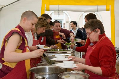 28 Concentration is also required in the dinning marquee to be able to serve everyone in a very .jpg