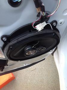 2007 Toyota Tundra SR5 Front Door Speaker Installation - USA
