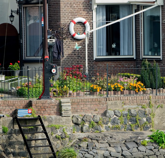 Dutch flag garden 1