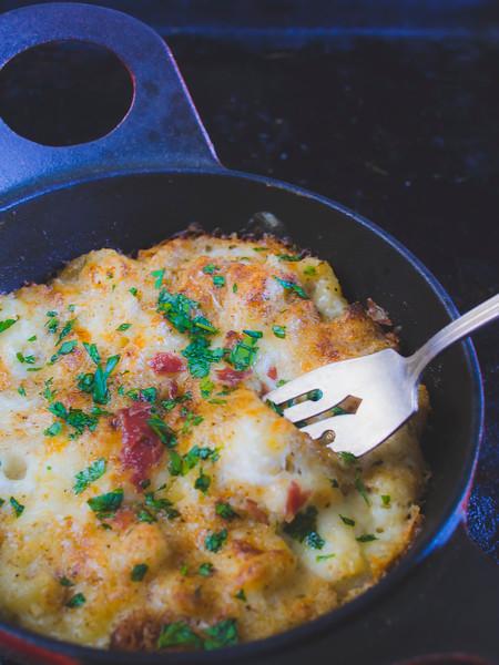 Black truffle mac and cheese fork.jpg