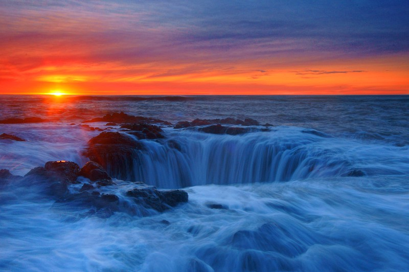 Thor's Well and sun 506 raw enh_pe2 sf - Copy.jpg