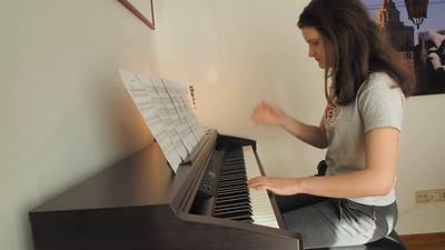 Claire piano 2015 05