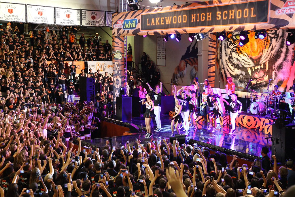 . Katy Perry performing inside the gymnasium at Lakewood High School Friday morning. (Photo by 7News/James Dougherty)