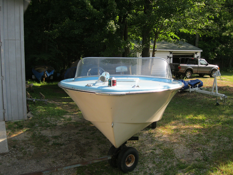 Front view of a 1962 Buehler Turbo Craft.