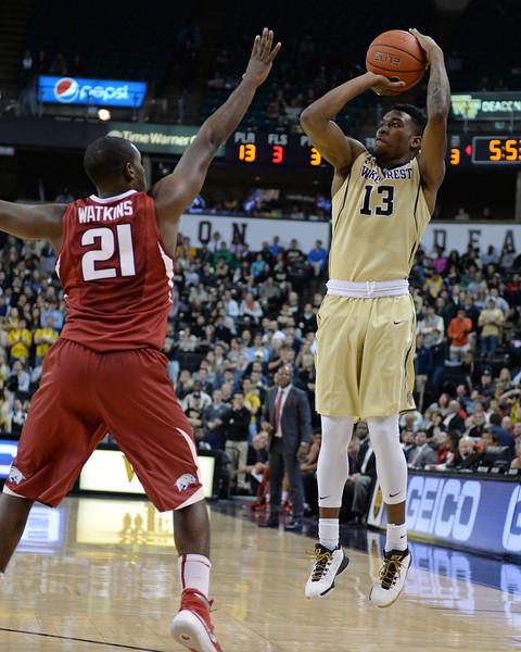 Bryant Crawford 3 point shot 03.jpg