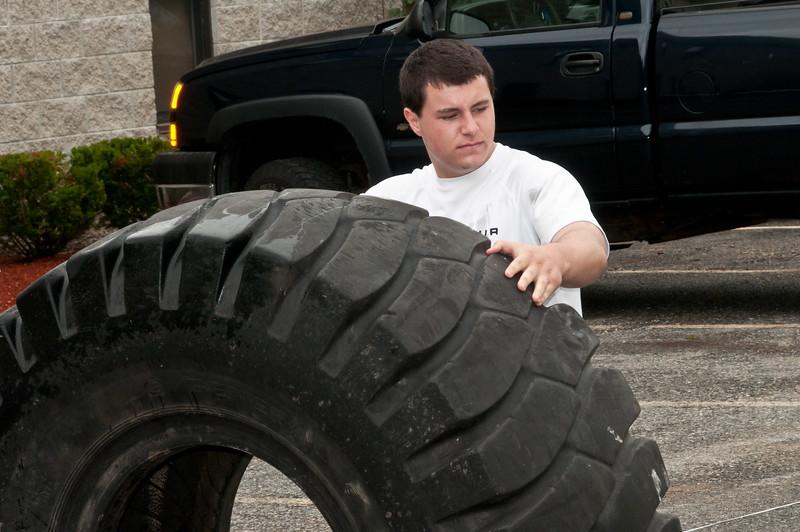Fitness Revolution Strongman Challenge 2011_ERF4060.jpg