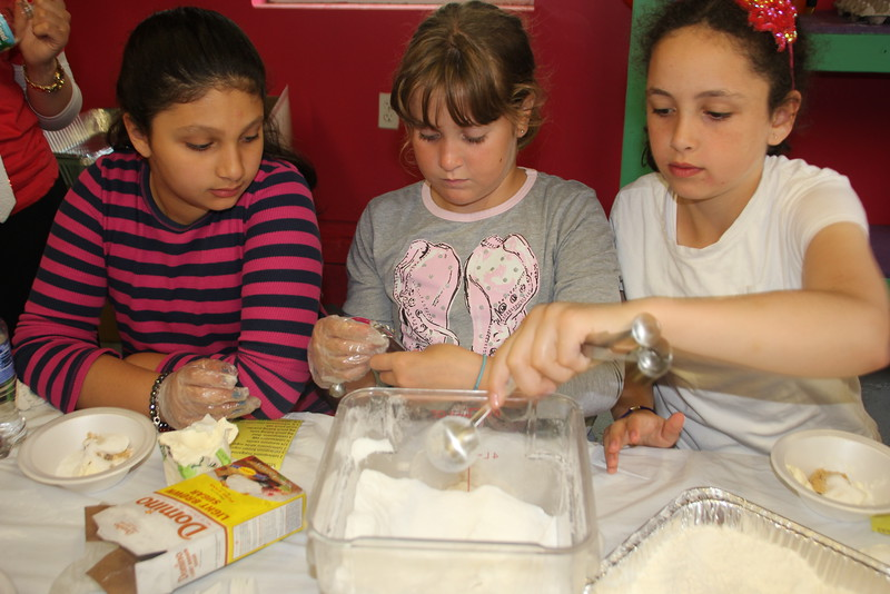 kars4kids_thezone_camp_GirlDivsion_workshops_CulinaryArts (37).JPG