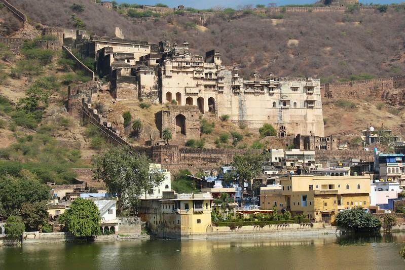 Bundi Palace was constructed during the reign of Rao Raja Ratan Singh (1607–31)
