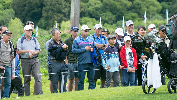Spectators watching the action on the final day of the Asia-Pacific Amateur Championship tournament 2017 held at Royal Wellington Golf Club, in Heretaunga, Upper Hutt, New Zealand from 26 - 29 October 2017. Copyright John Mathews 2017.   www.megasportmedia.co.nz